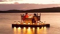 http://bedouinlifetours.com/en/wp-content/uploads/2014/06/pontoon_dinner_31.jpg
